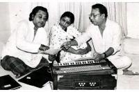 {unreleased} _ Nakhra Dekho Gori Ka (Kishore Kumar, Bhupinder Singh & Asha Bhonsle)(1).mp3